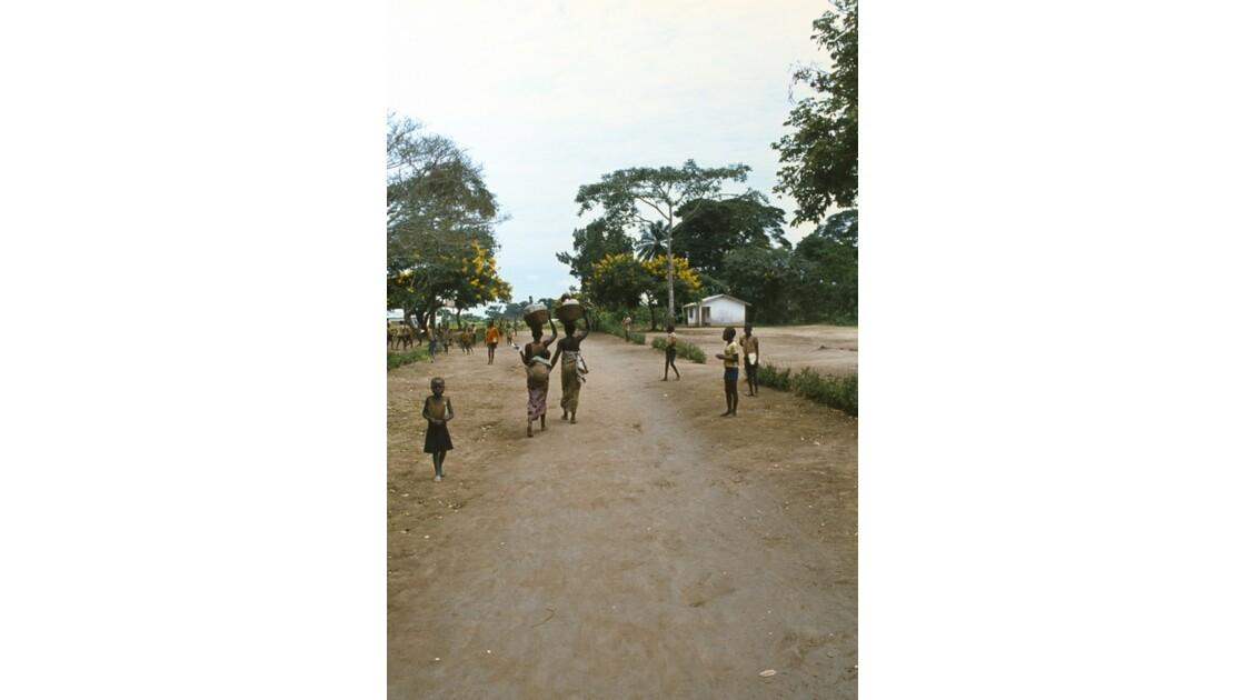 Congo 70 Sibiti  Près de l'école