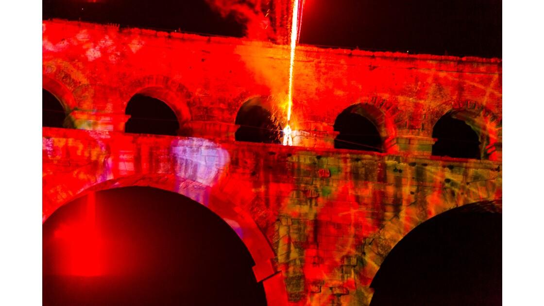 Le pont du Gard en Feu