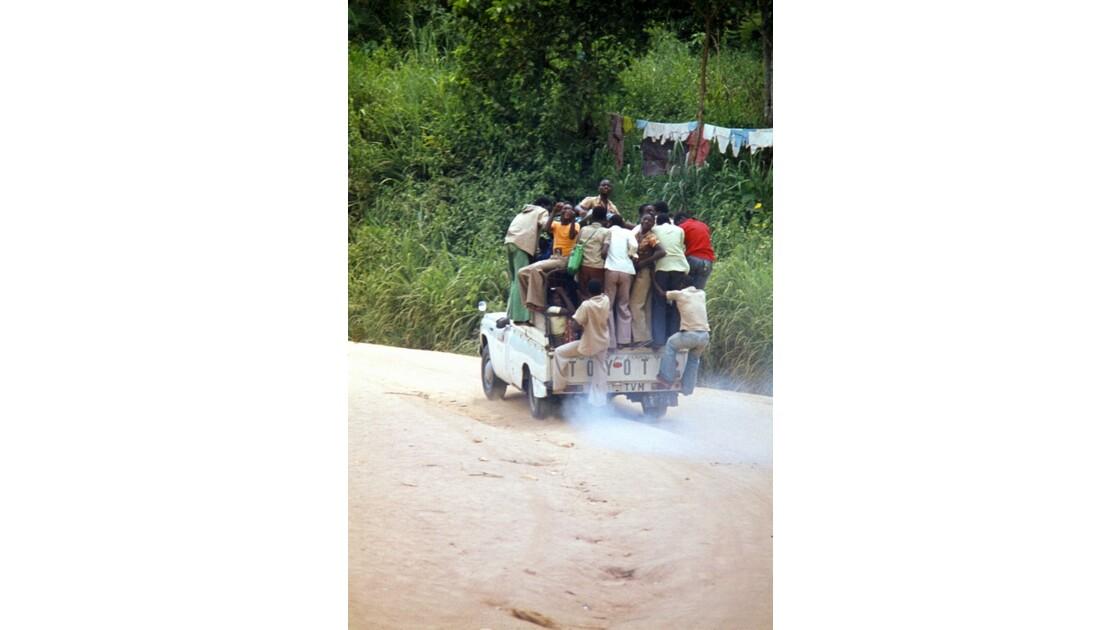 Congo 70 Niari Sur la piste
