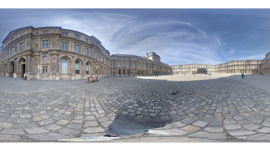 La cour carrée à 360