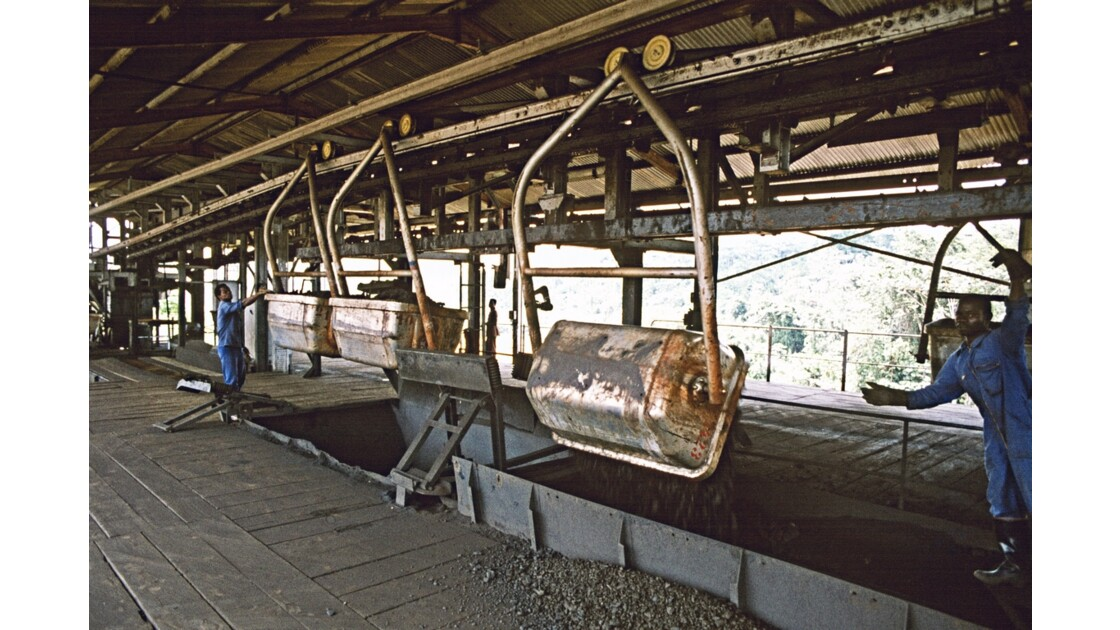 Congo 70 Mbinda arrivée du manganèse de Moanda 3