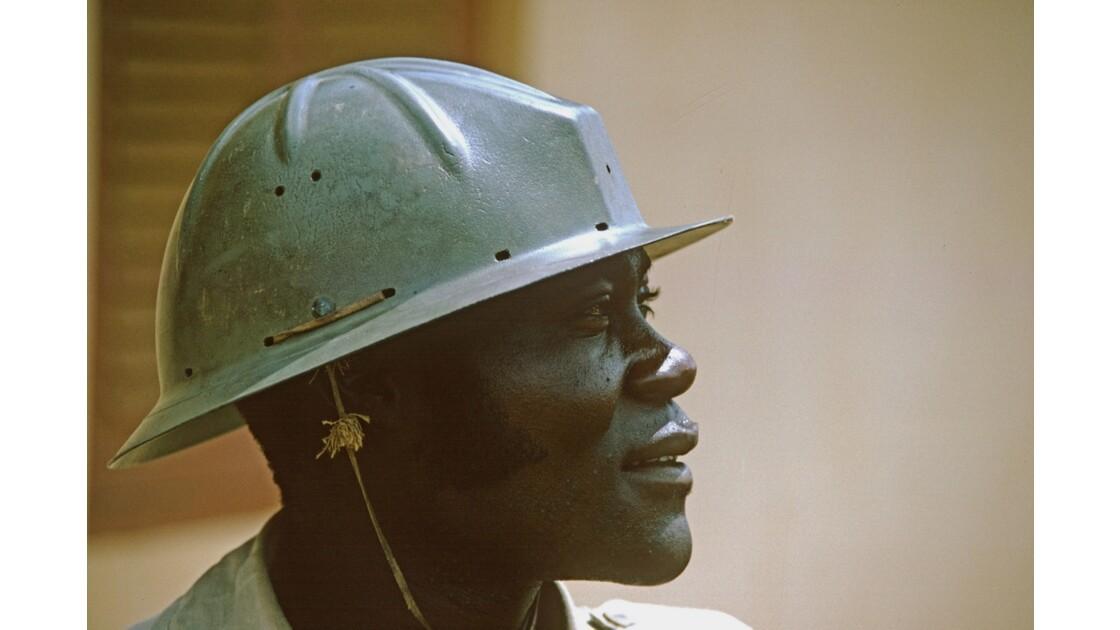 Congo 70 Mbinda Conducteur de machine
