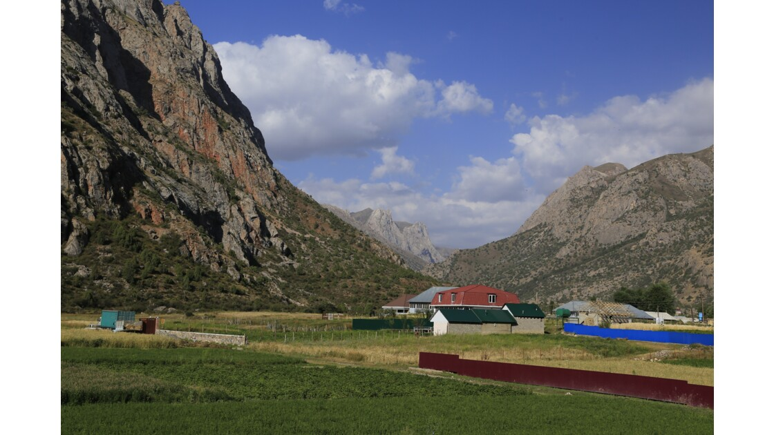 Saritag près du lac Iskanderkul