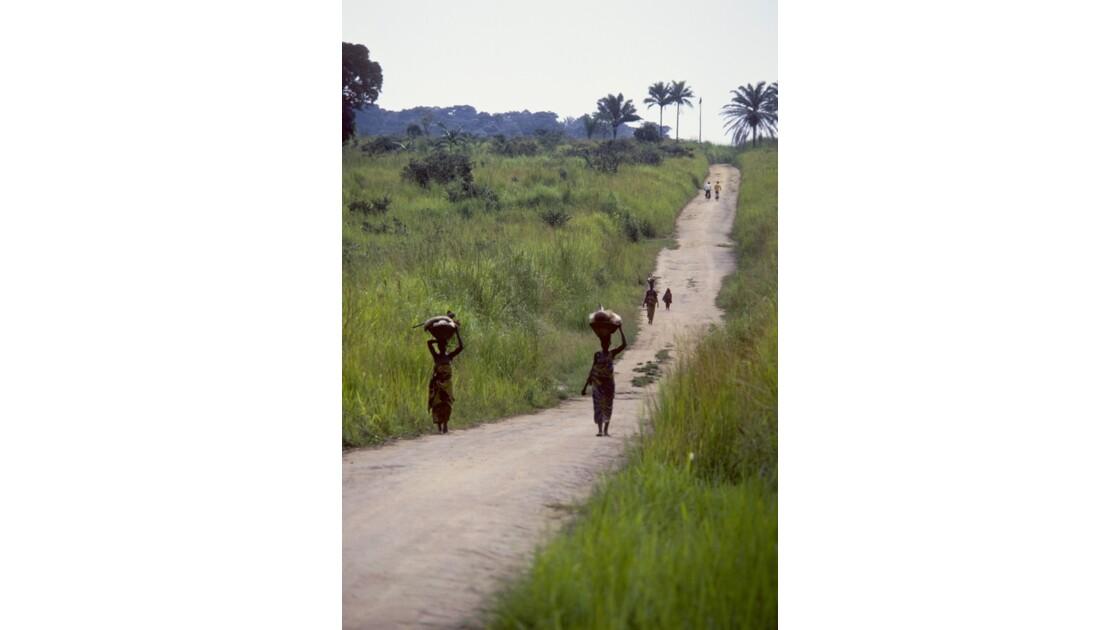 Congo 70  Plateaux Téké la piste Lékana - Kébara 2