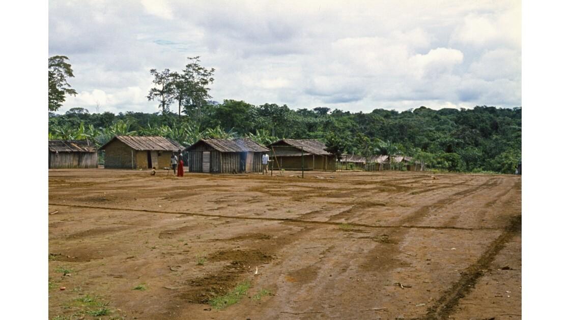 Congo 70  Plateaux Téké la piste Lékana - Kébara 3