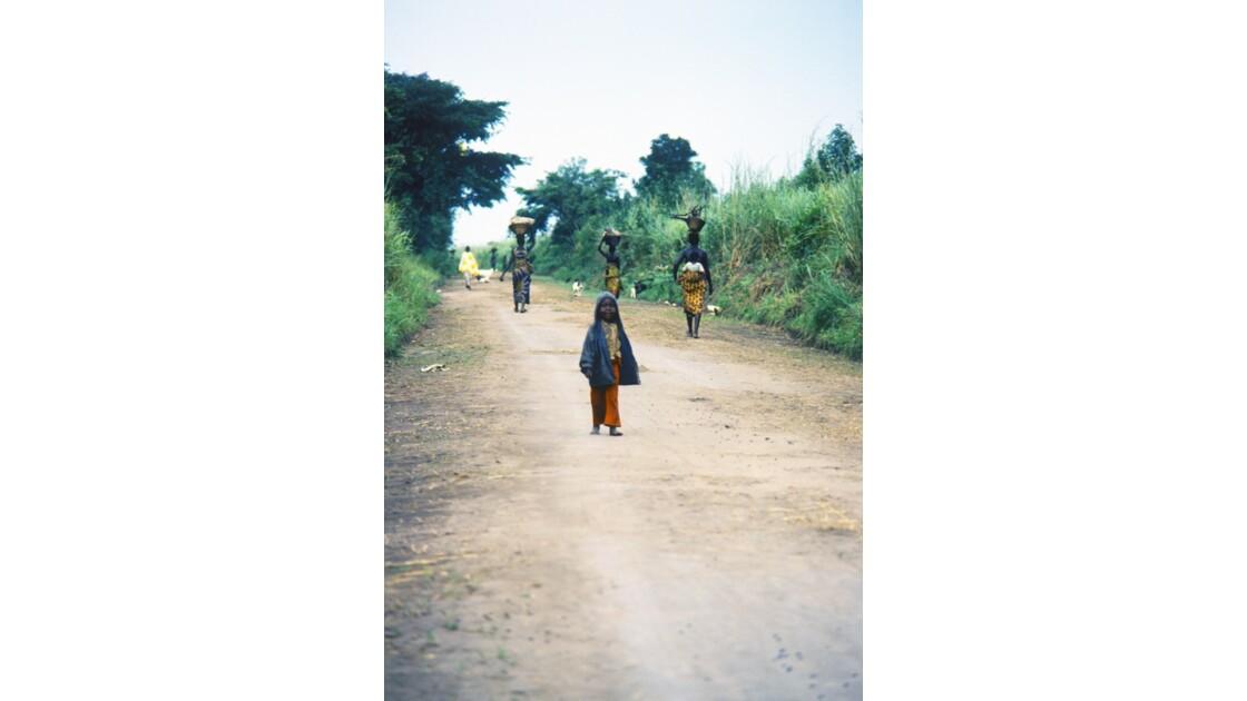 Congo 70  Plateaux Téké la piste Lékana - Kébara 5