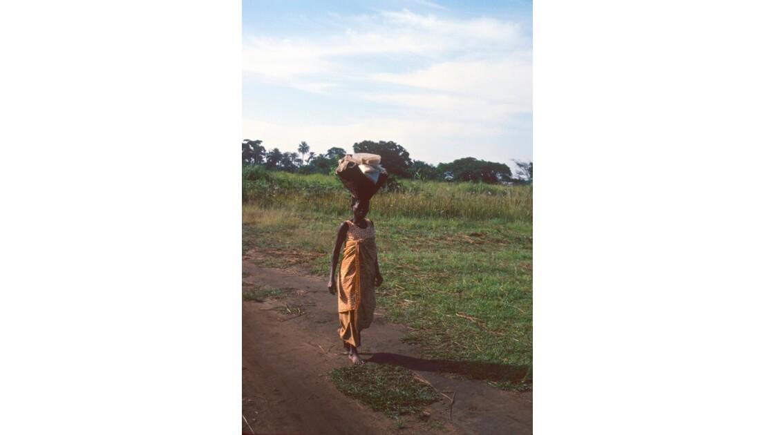 Congo 70  Plateaux Téké la piste Lékana - Kébara 7