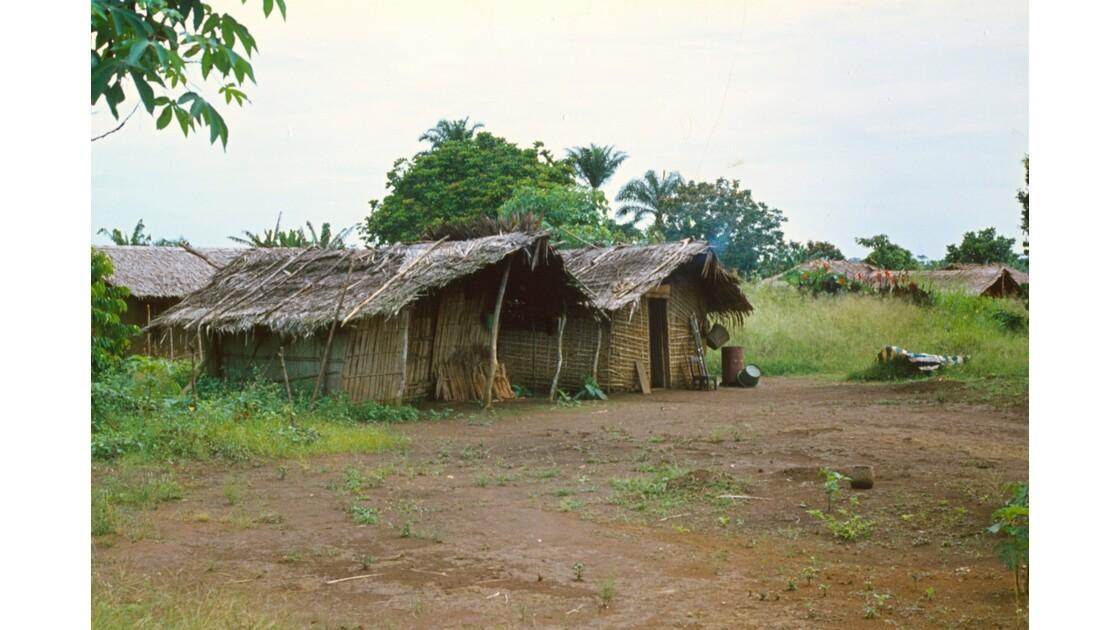 Congo 70 Plateaux Téké Village entre Lékana et Kébara 4