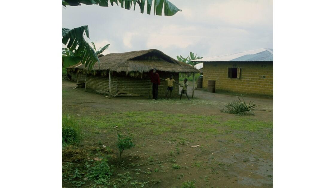 Congo 70 Plateaux Téké Village entre Lékana et Kébara 8