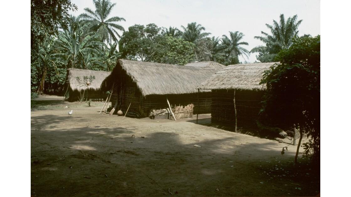 Congo 70 Plateaux Téké Village entre Lékana et Kébara 11