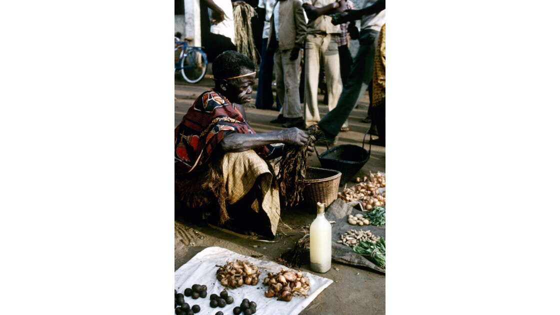 Congo 70  Plateaux Téké Le marché de Lékana 11