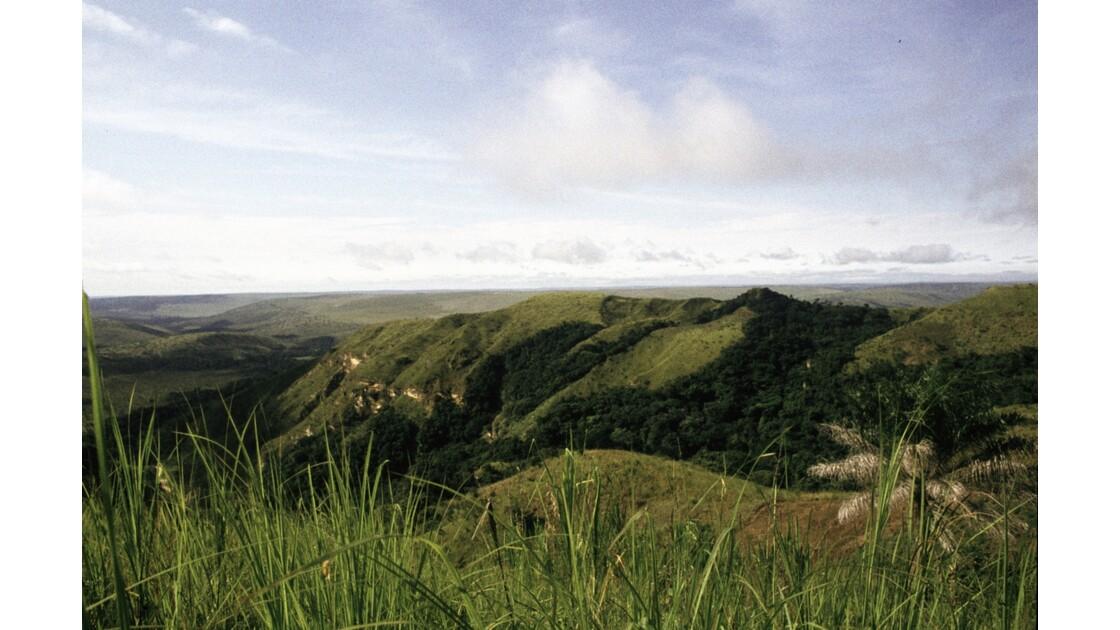 Congo 70  Plateaux Téké vus de la résidence de Lékana