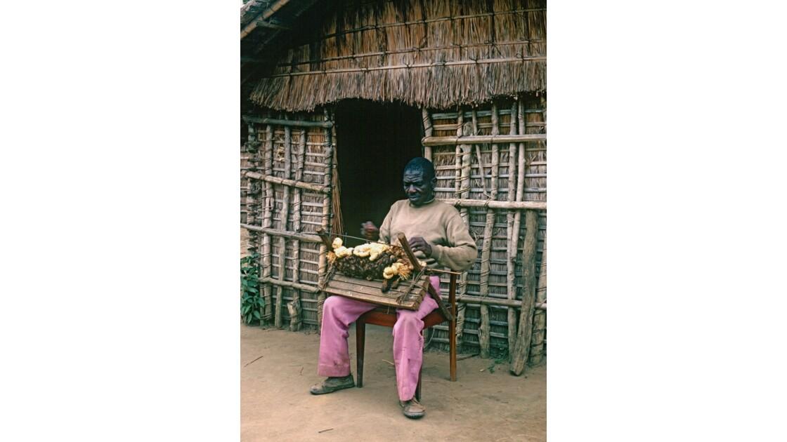 Congo 70  Le tisserand de Lékana 1