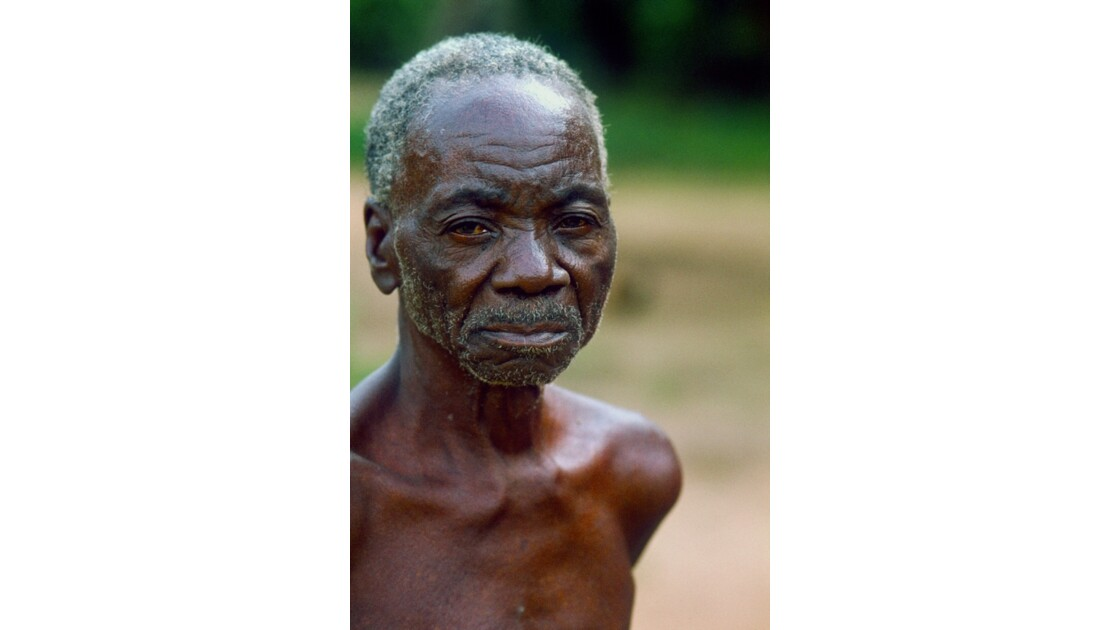 Congo 70 Villageois entre Djambala et Lékana 1