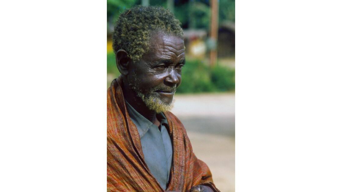 Congo 70 Villageois entre Djambala et Lékana 2