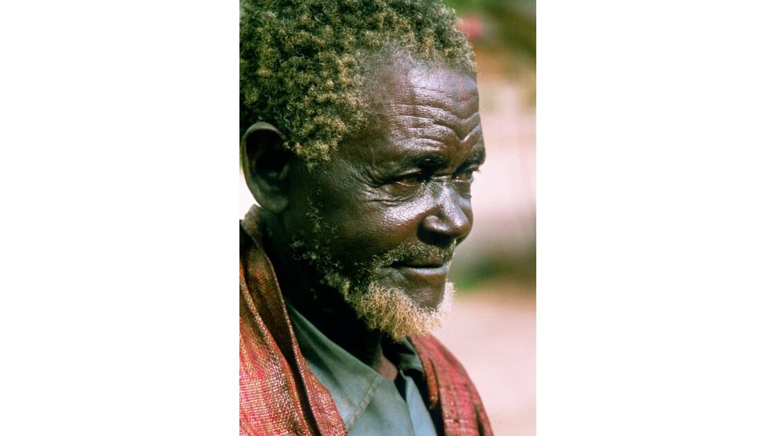 Congo 70 Villageois entre Djambala et Lékana 4