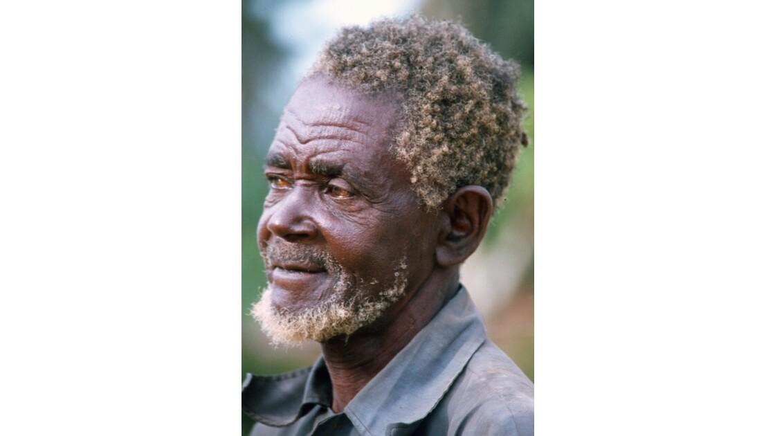 Congo 70 Villageois entre Djambala et Lékana 7