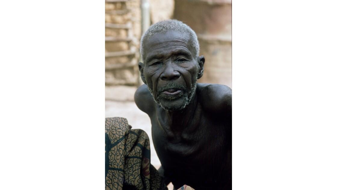 Congo 70 Villageois entre Djambala et Lékana 9