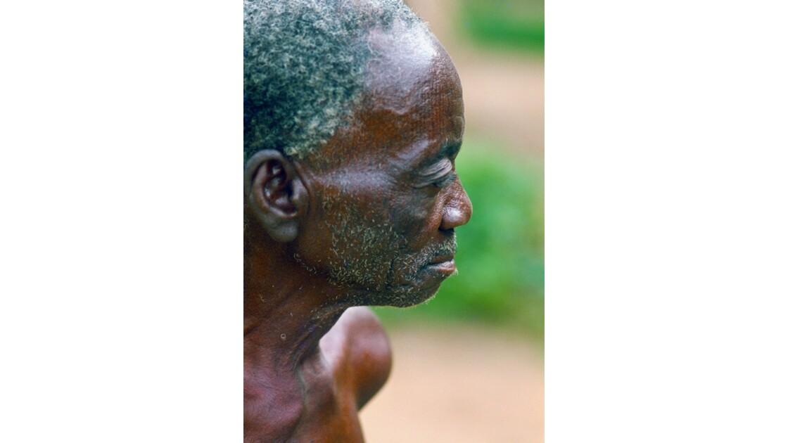 Congo 70 Villageois entre Djambala et Lékana 10