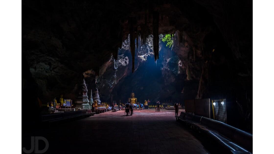 Temple souterrain à Petchaburi.