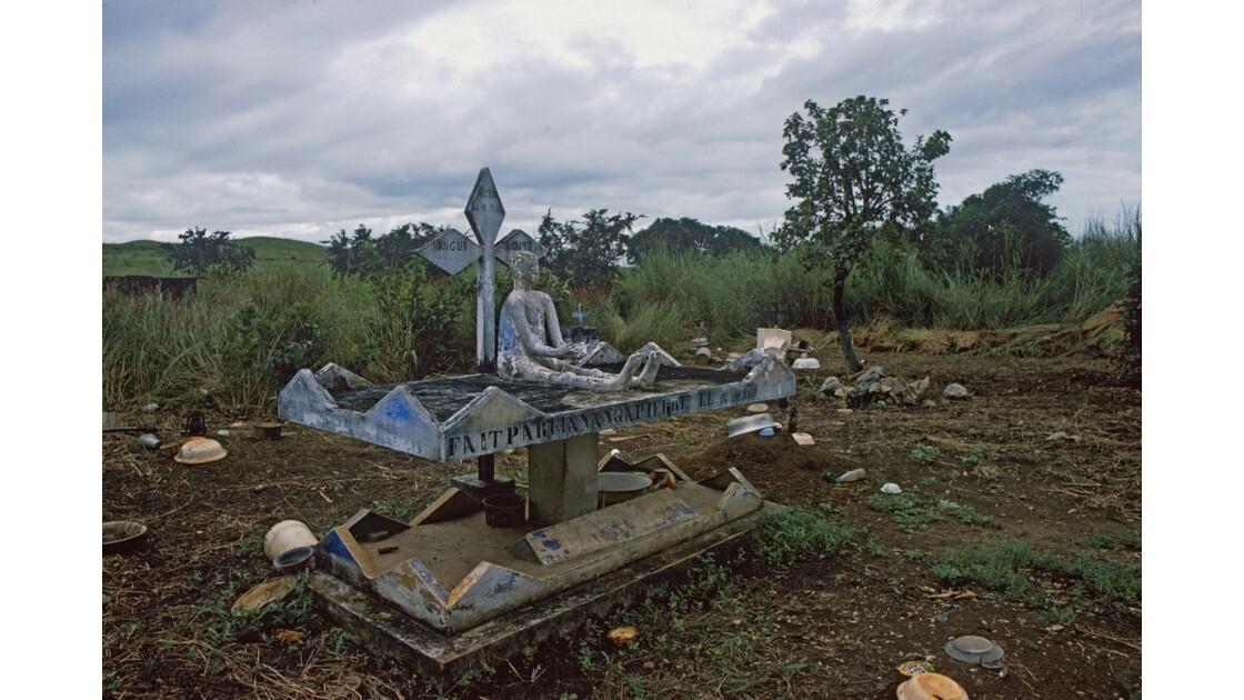 Congo 70 Cimetière dans le Mayombe 1
