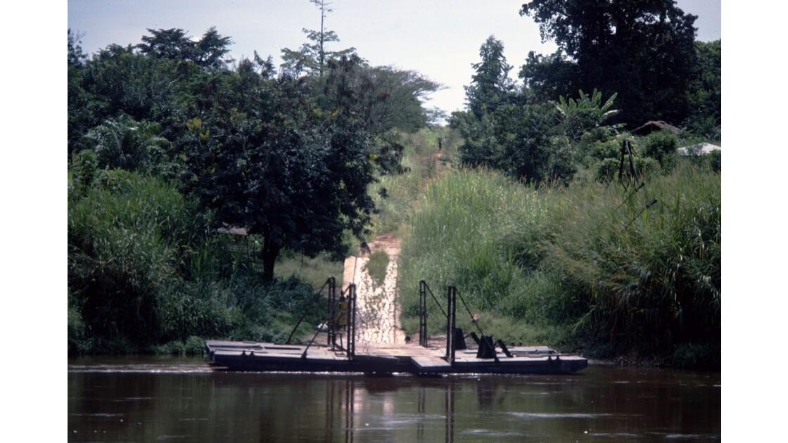 Congo 70 Bac sur le Niari 2