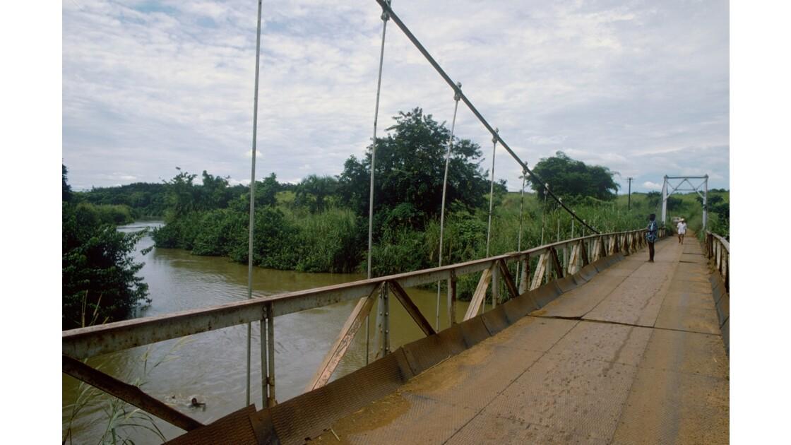 Congo 70 RN1 Pont entre Mindouli et Loutété 1