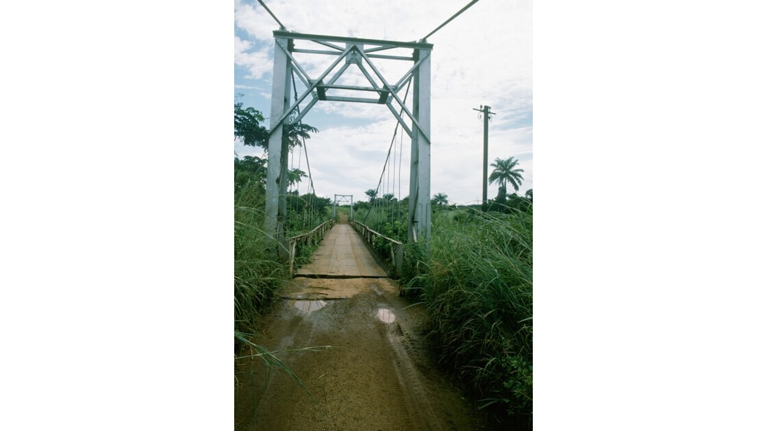 Congo 70 RN1 Pont entre Mindouli et Loutété 2