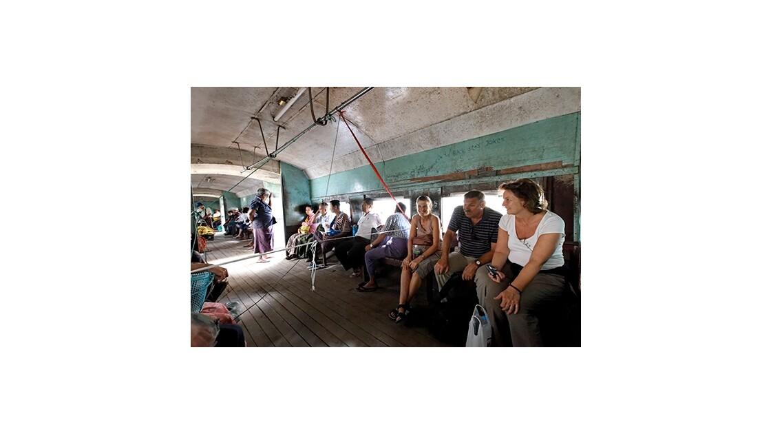Voyage en train en Birmanie