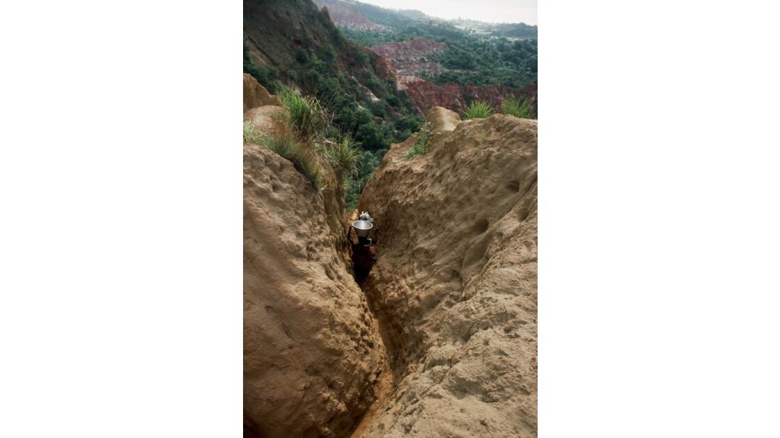 Congo 70 Diosso descente dans les gorges 6