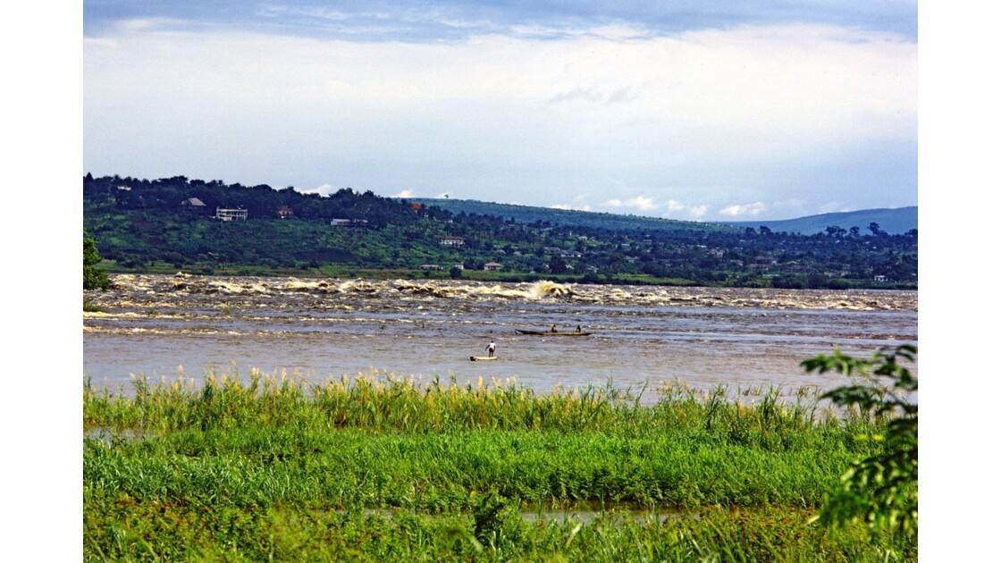 Congo 70 Pêcheurs au confluent du Djoué et  du Congo 2