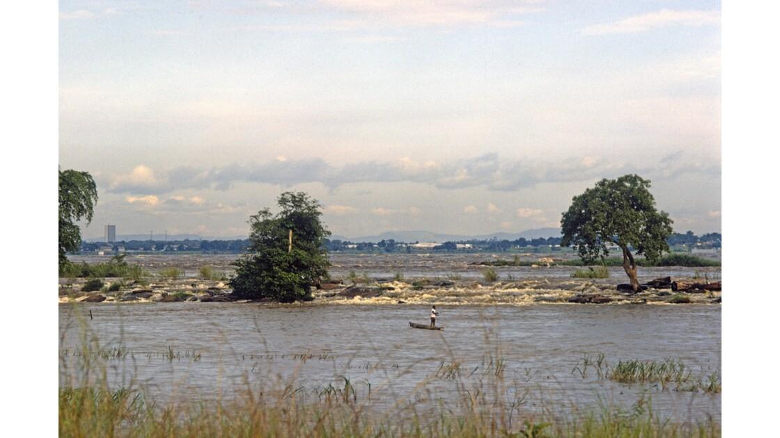 Congo 70 Pêcheurs au confluent du Djoué et  du Congo 5