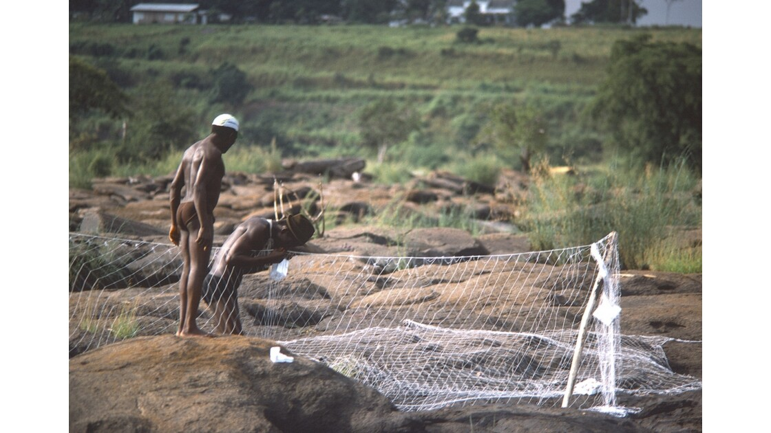 Congo 70 Rapides du Congo les roches de l'Inkisi 4