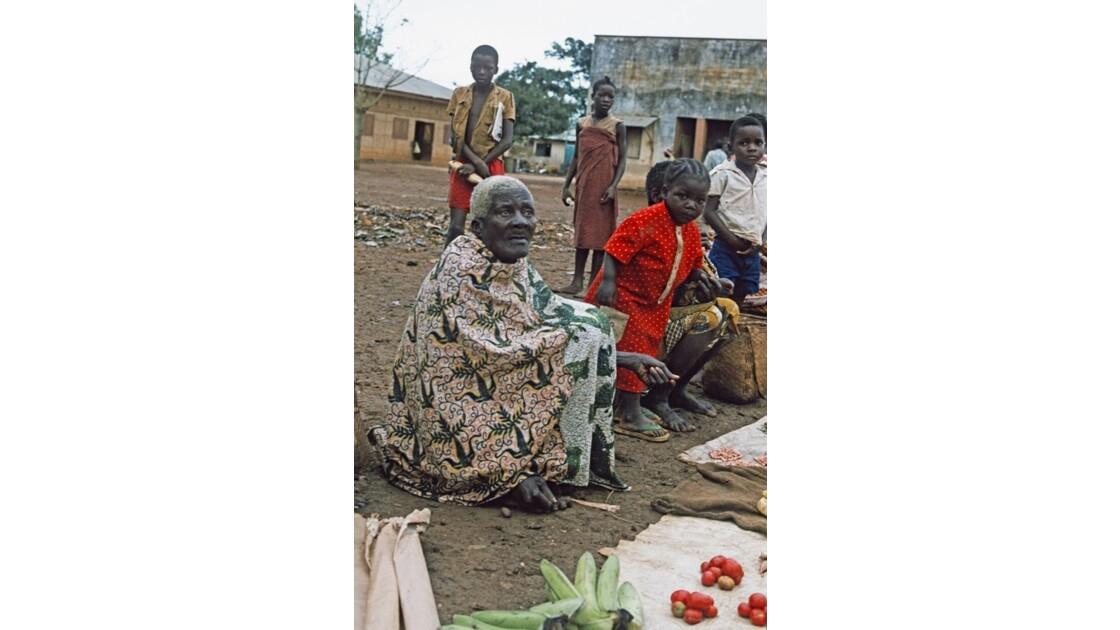 Congo 70 Ouesso Le marché 6