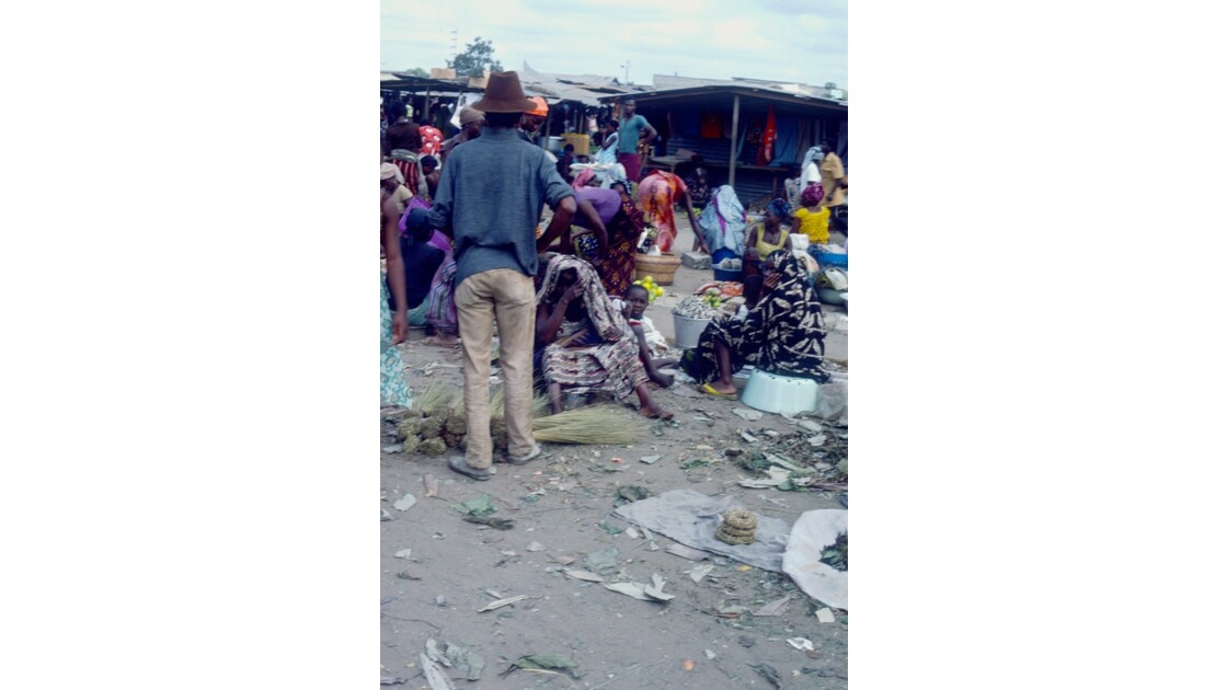 Congo 70 Brazzaville Le marché Total de Bacongo 15