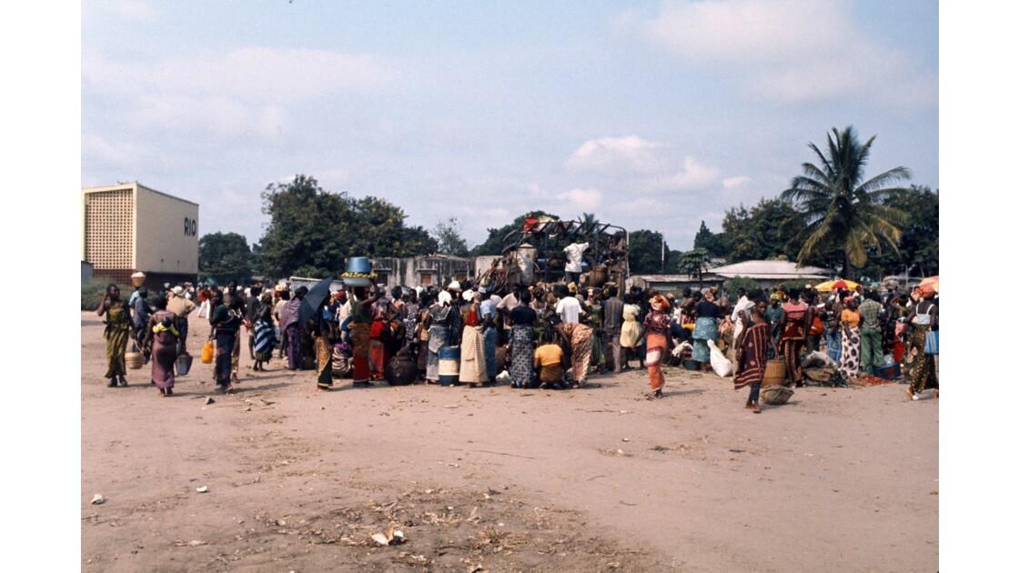 Congo 70 Brazzaville Le marché Total de Bacongo 21