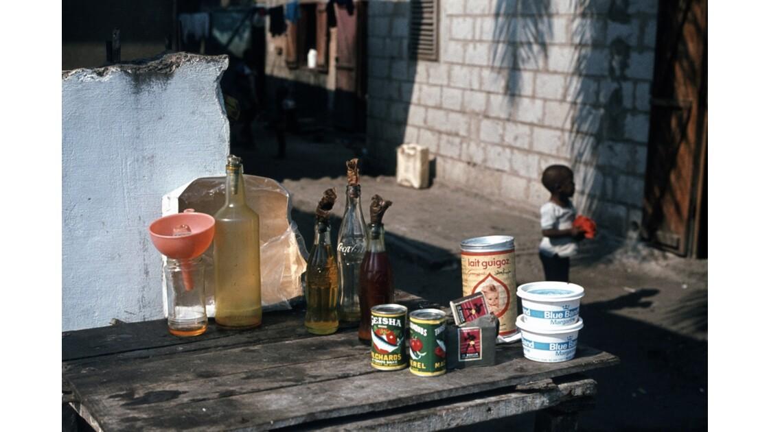 Congo 70 Brazzaville Petit marchand à Bacongo