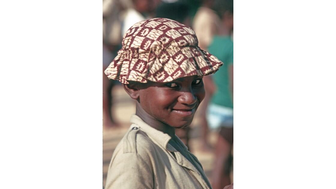Congo 70 Brazzaville un écolier de Bacongo