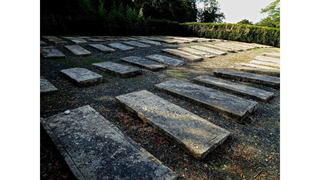 Le cimetière juif de Bidache