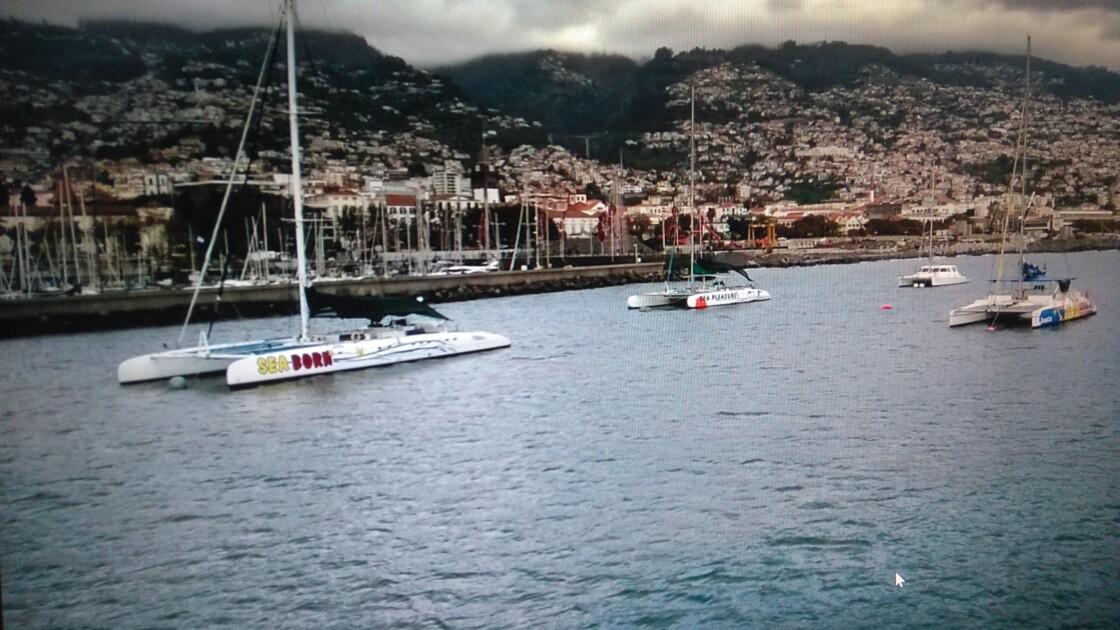 La marina  et le port de Funcal à Madére .
