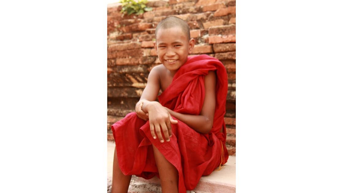 Jeune moine bouddhiste du Myanmar