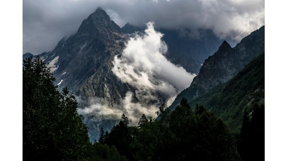 L'orageux Caucase.