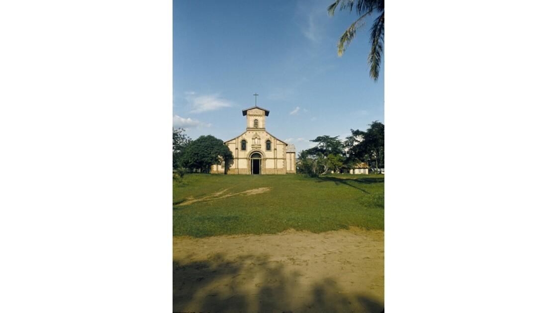 Congo 70 Mission de Kibouendé l'église 1
