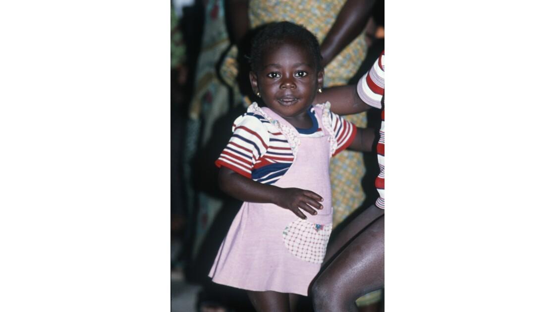 Congo 70 Noël à Kibouendé pendant la messe 4