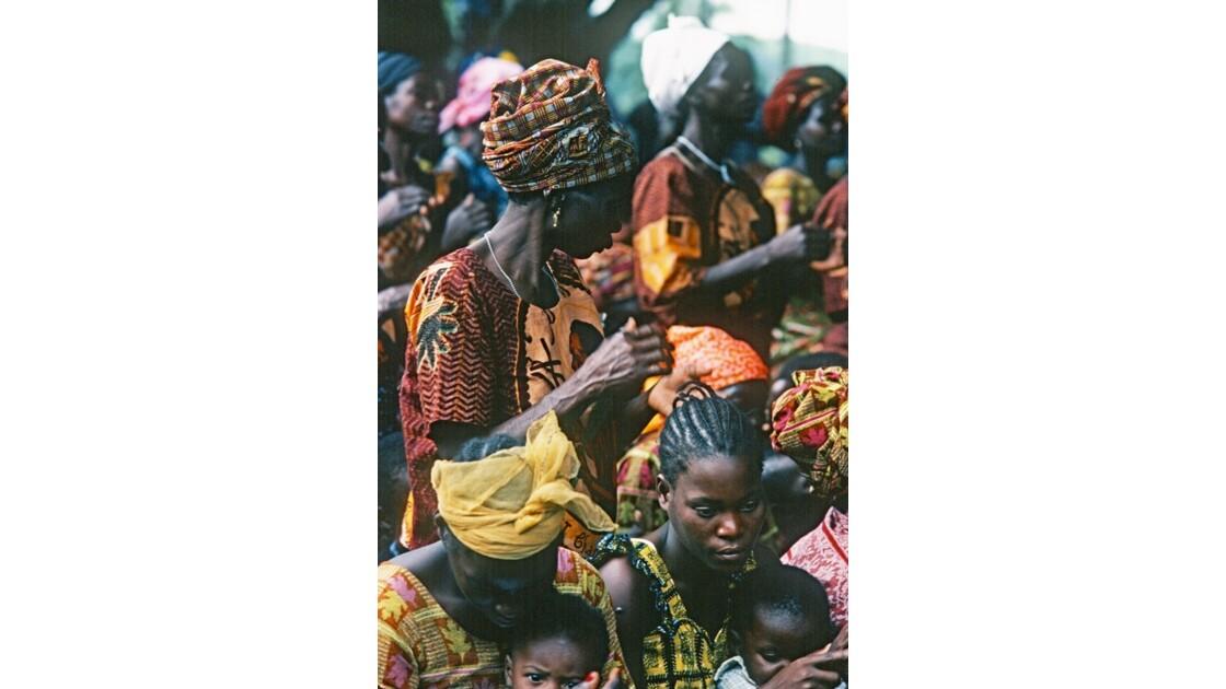 Congo 70 Noël à Kibouendé pendant la messe 8