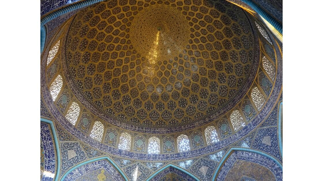 Iran Ispahan mosquée du Sheikh Lotfollah Plafond de la salle de prière 2