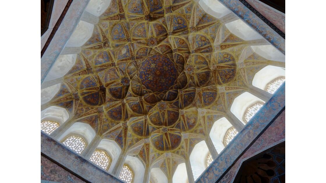 Iran Ispahan Palais Ali Qapu Plafond de la salle de musique 1
