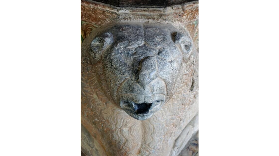 Iran Ispahan Chehel Sotoun Palais des 40 colonnes  lion des colonnes du Talar 2