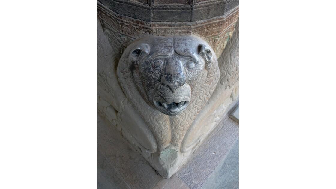 Iran Ispahan Chehel Sotoun Palais des 40 colonnes  lion des colonnes du Talar 3