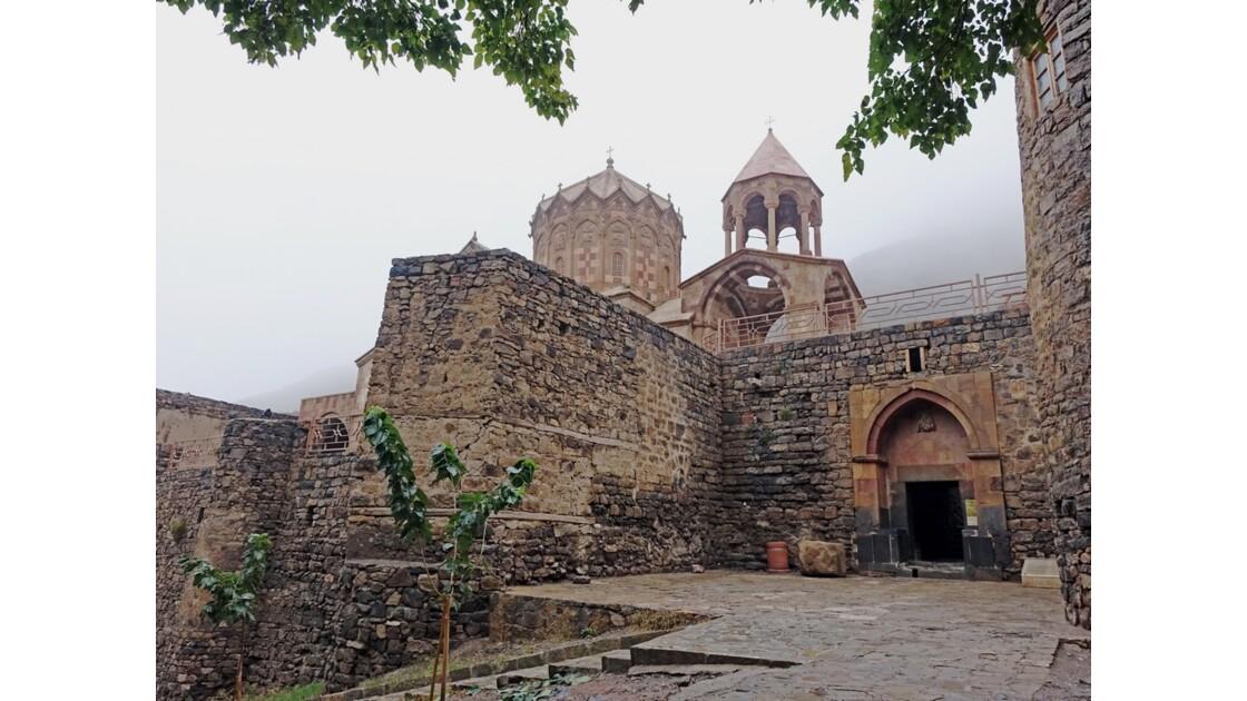 Iran Monastère de Saint Stéphane Entrée 3
